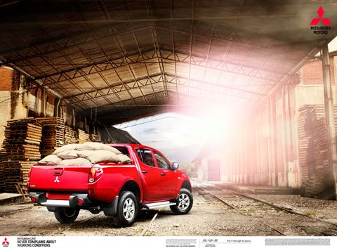 Chris_Hunt_Photography_Automotive_Advertising_Mitsubishi_0487.jpg